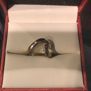 Jewelry - Gold ocean wave ring